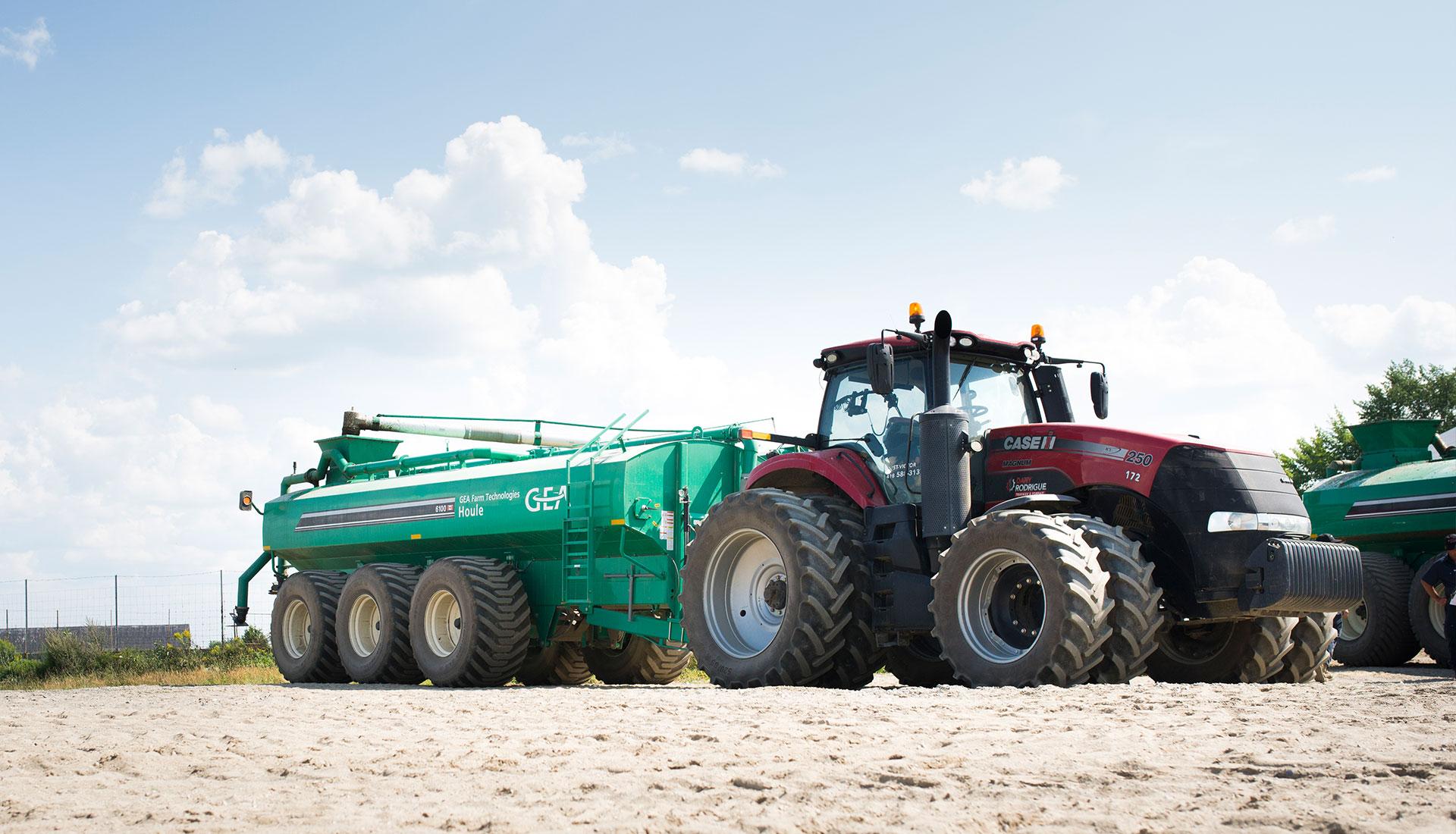 Tracteur et tank GEA